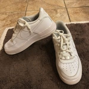 Nike Shoes - Nike Air Force 1, Woman Size 6❗️